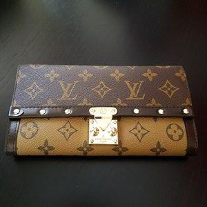 LV Louis Vuitton Monogram Wallet